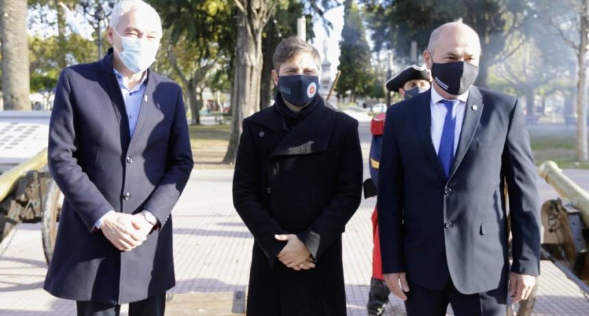 Kicillof y Secco encabezaron el acto por el 220º aniversario de Ensenada