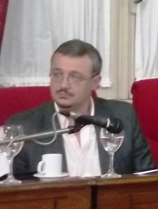 El concejal Trujillo solicitó publicar la tesis doctoral de Rogelio Paredes