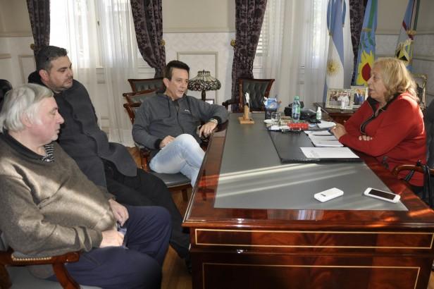 Anuncio oficial:   El Municipio adelanta el pago del medio aguinaldo para empleados municipales