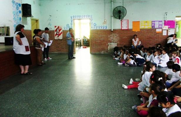 """Biblioteca Pública Municipal y Jornada de """"Teatro leído"""" en la Escuela N° 1 """"Hipólito Bouchard"""""""