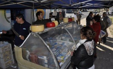 """En la Plaza 1° de Mayo  Hoy finaliza la visita de """"Lácteos para Todos"""""""