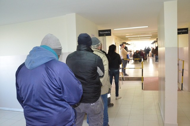 La vacuna antigripal se aplica en el Hospital Municipal