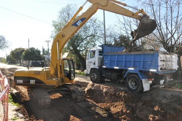 Avanza la reconstrucción de los desagües pluviales del barrio Dignidad