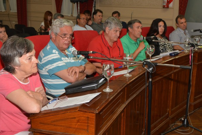 """Concejales del FpV-PJ aseguraron haber sido """"estafados"""" por el oficialismo"""