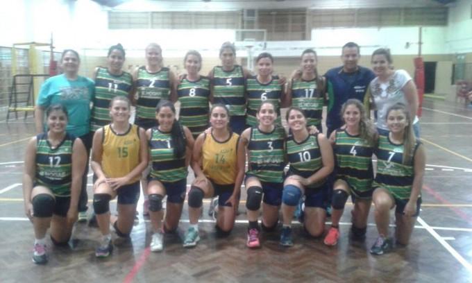 La Primera División de Damas del C.C.C venció a Huracán de San Justo