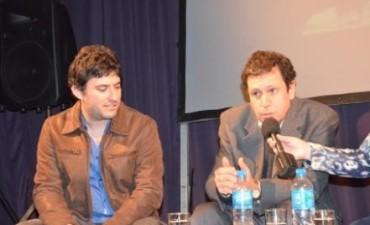 """A sala lleva, se presentó en Campana el mediometraje """"Sintiendo a Piazzolla"""""""