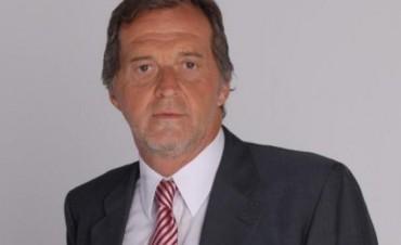 Radio City Campana FM 91.7 Mhz presenta al periodista Eduardo Van der Kooy