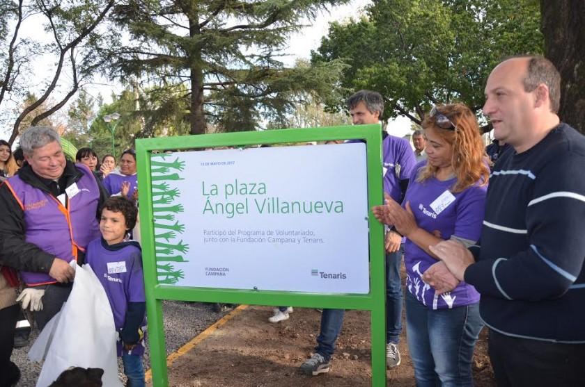 Sergio Roses resaltó el trabajo de vecinos, empleados de Tenaris y voluntarios para renovar la plaza de Villanueva