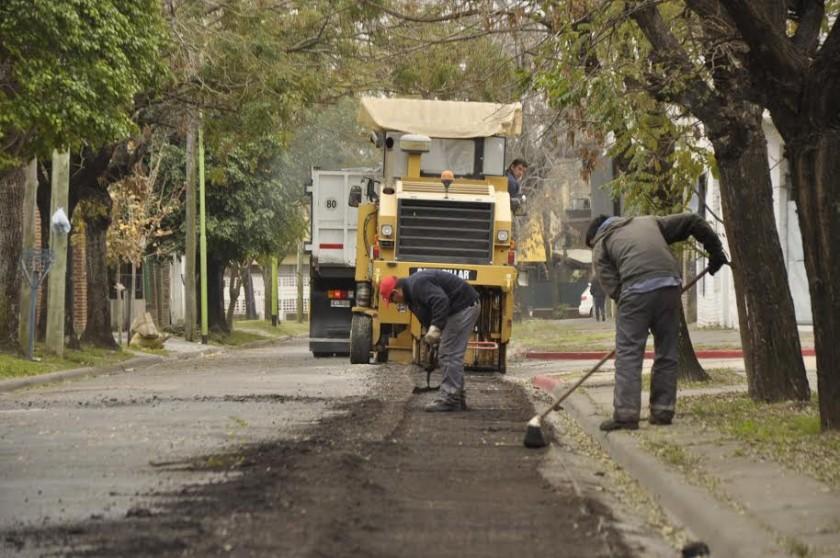 Se iniciaron las obras de repavimentación en el barrio Obrero