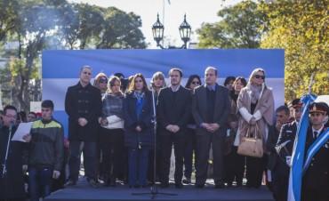 Cientos de alumnos de la ciudad prometieron lealtad a la bandera nacional