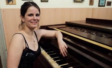 María Cecilia Frías presentará este domingo un concierto de piano