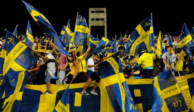 Boca quiere ser campeón de visitante ante su gente