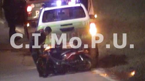 Las cámaras del CIMoPU registraron la detención de un sujeto que escapaba de la policía