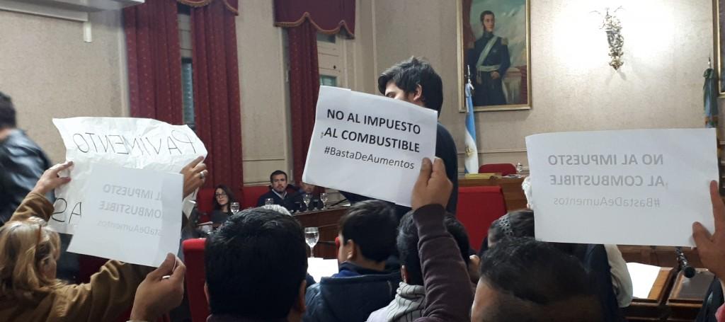"""Se derogo la Tasa Vial: """"En Campana volvemos a pagar el precio real del combustible"""""""