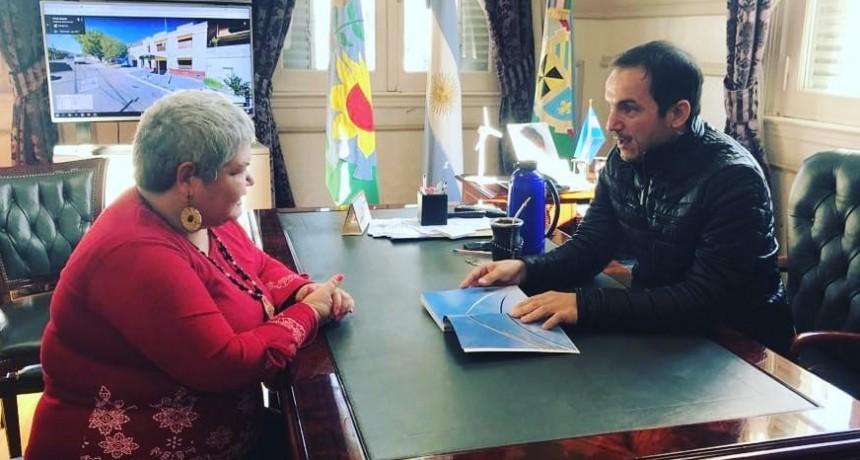 Abella y Schvartz se reunieron con la escritora campanense Beatriz Valerio