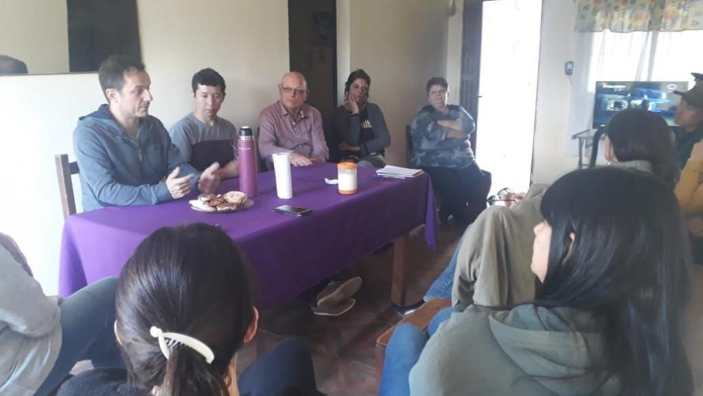 Abella se reunió con vecinos de Lubo y La Esperanza