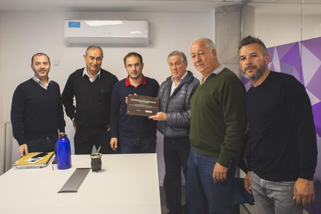 Abella entregó reconocimientos a tres instituciones de la ciudad