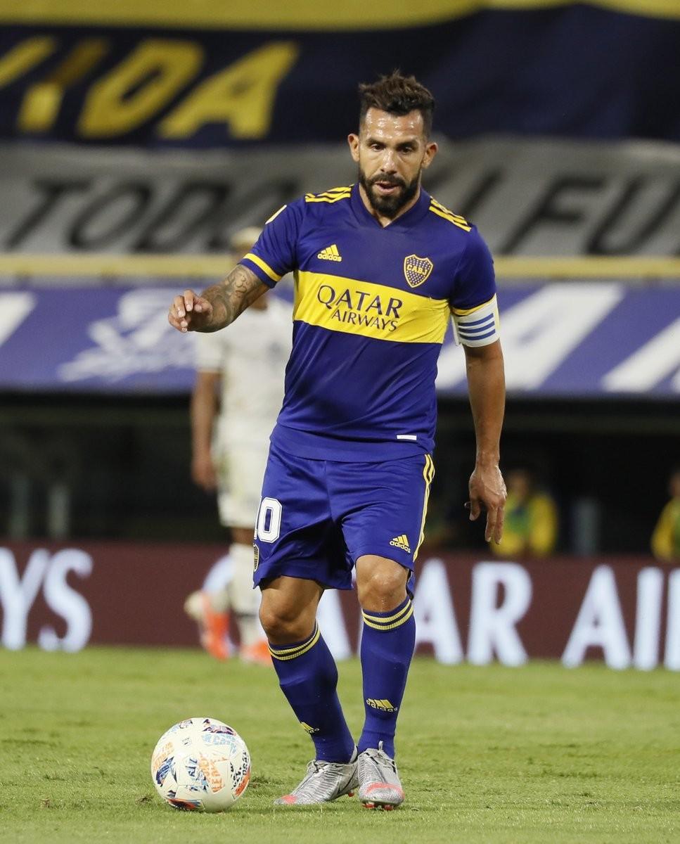 Tevez decide sobre su futuro en Boca