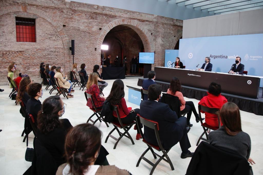 """El gobierno lanzó """"Acercar derechos"""", un programa para personas en situación de violencia de género"""