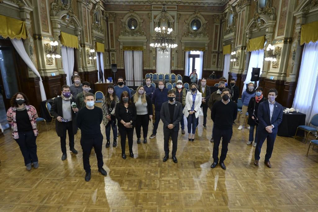 Kicillof saludó a las y los trabajadores de prensa en el Día del Periodista