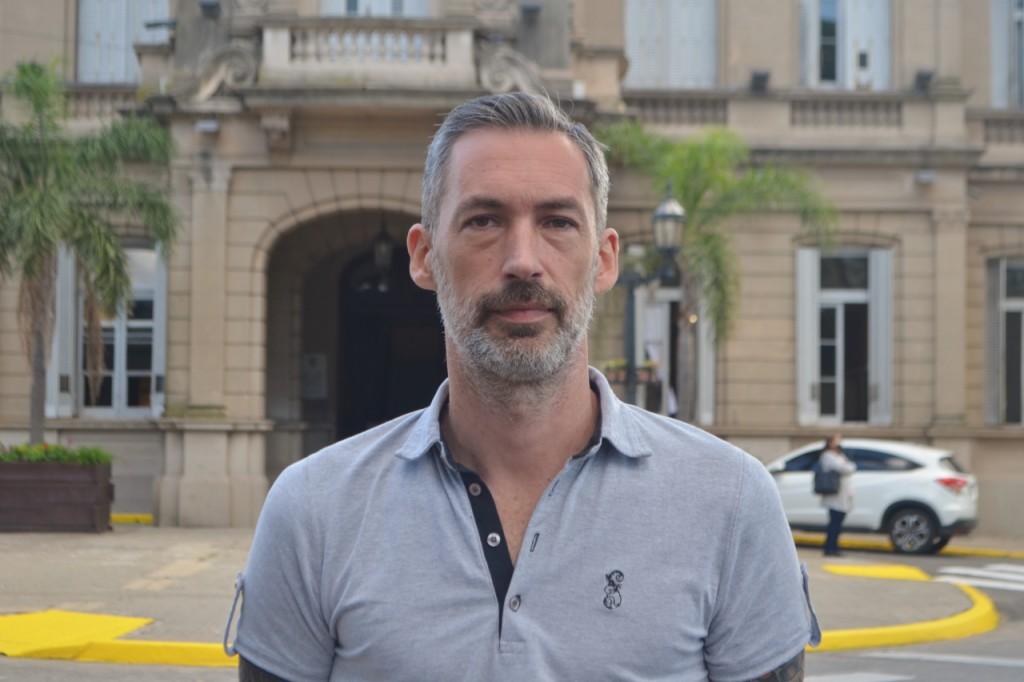 DIEGO SARNA:  'LOS POLITICOS PROFESIONALES VIVEN AJENOS A LA REALIDAD DEL DIA A DIA DE LOS ARGENTINOS'