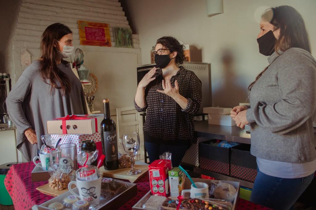 Elisa Abella destacó las propuestas de las emprendedoras locales para el Día del Padre