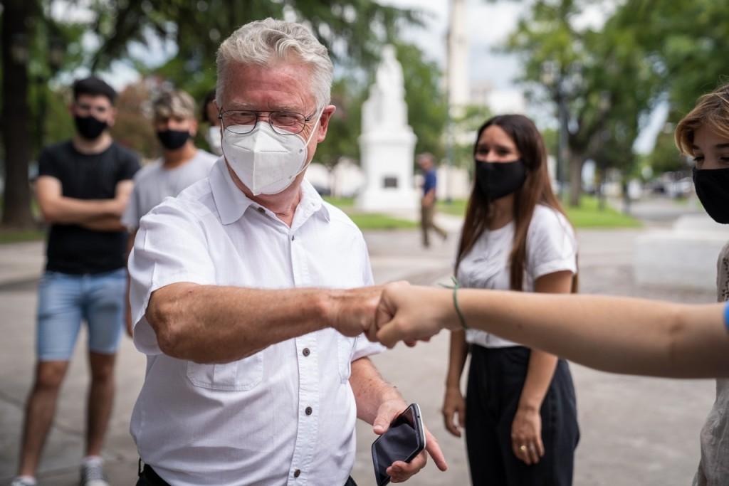 ROMANO : Desde hoy habrá vacunación libre para mayores de 55 años