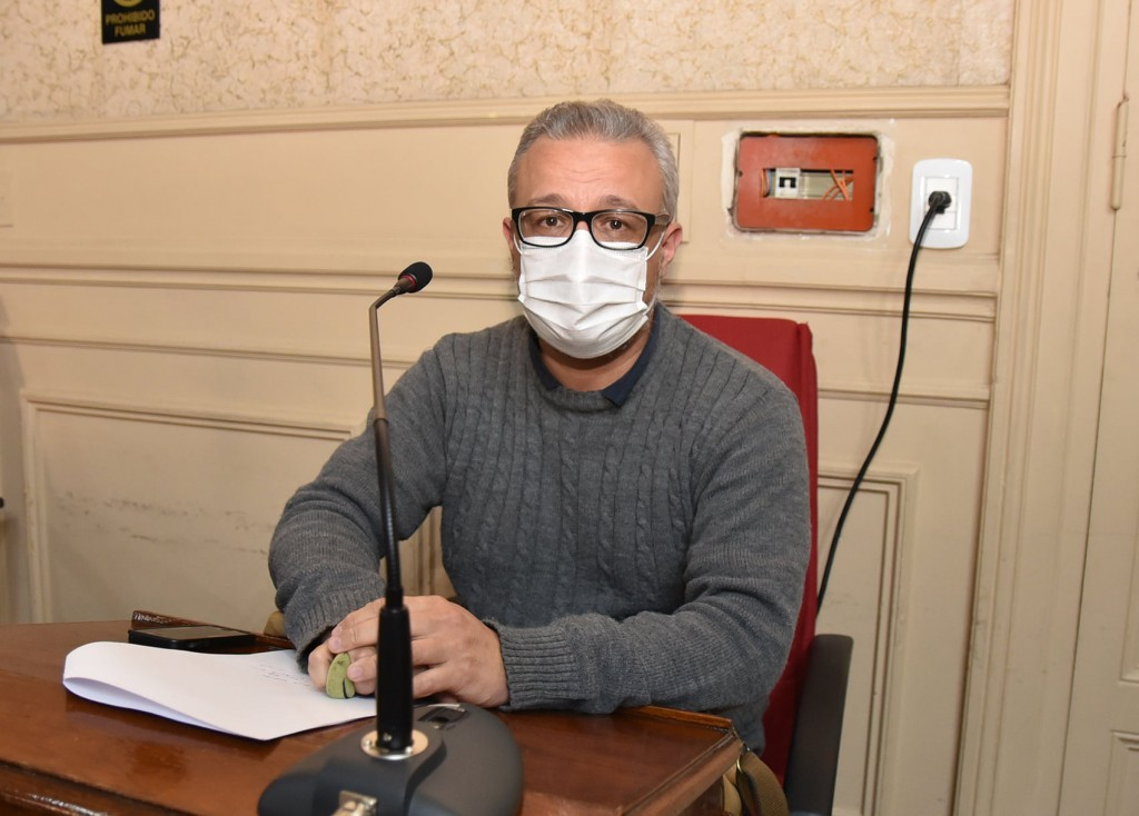 TRUJILLO : Abella está ausente en la vacunación de su municipio