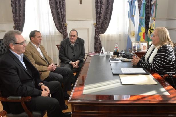 La Jefa Comunal Giroldi recibió a nuevas Autoridades de la Empresa Axion Energy