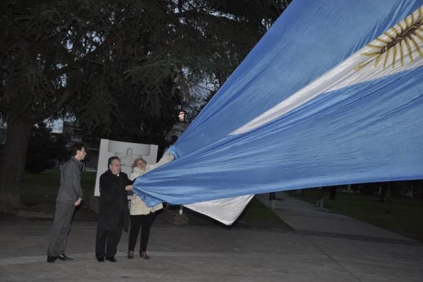 La Intendente Giroldi encabezó los actos celebratorios del 129° Aniversario de la Creación del Partido de Campana
