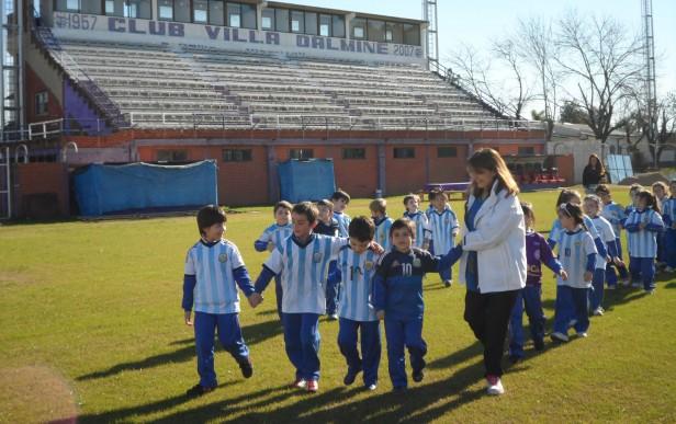 Jardines de Infantes visitaron el estadio del Club Villa Dálmine