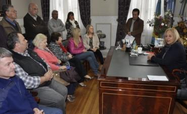La Jefa Comunal Stella Maris Giroldi realizó una nueva entrega de Subsidios a Vecinos e Instituciones