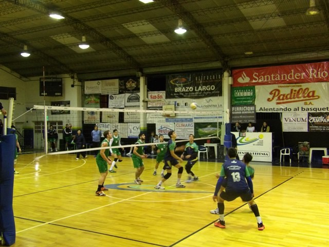 Club Ciudad de Campana superó 3-0 a Ferrocarril Oeste