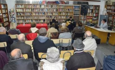 """Los """"Valsecitos criollos"""" fueron parte de un nuevo encuentro musical en la Biblioteca"""