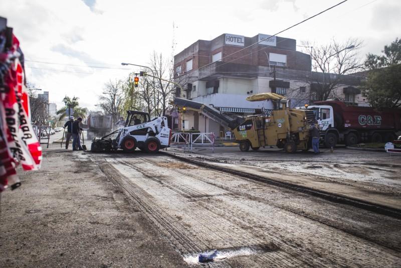 Comenzó la repavimentación de la avenida Varela, el principal acceso a la ciudad