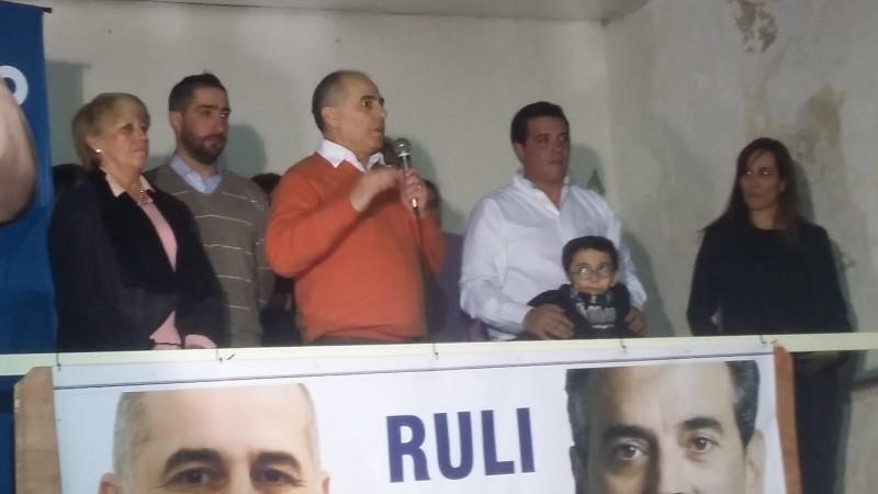 Raùl Galarza presente su lista en un acto desarrollado en el Cìrculo Italiano