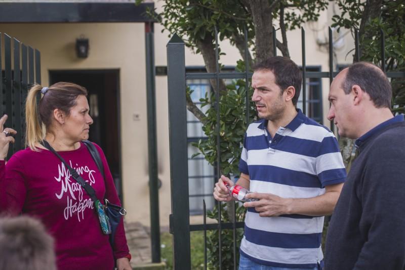 Abella y Roses dialogaron con vecinos de distintos barrios