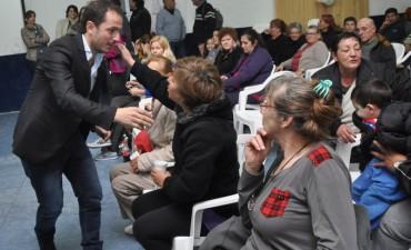 El Intendente en tu barrio: Abella dialogó con vecinos de Las Campanas