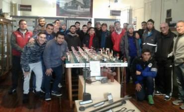 Aprendices de señaleros visitaron el Museo Ferroviario Municipal