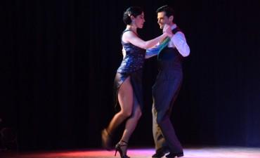 A sala llena, se presentó el espectáculo Latiendo tango y folklore