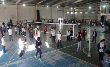 Más de 300 chicos participaron del intercolegial de voley