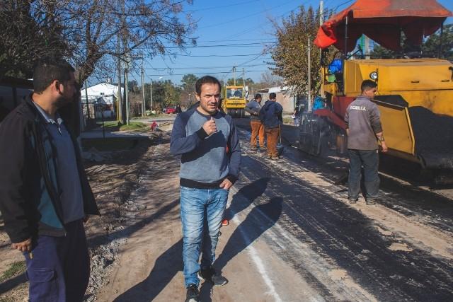 Más obras de asfalto para el centro y los barrios