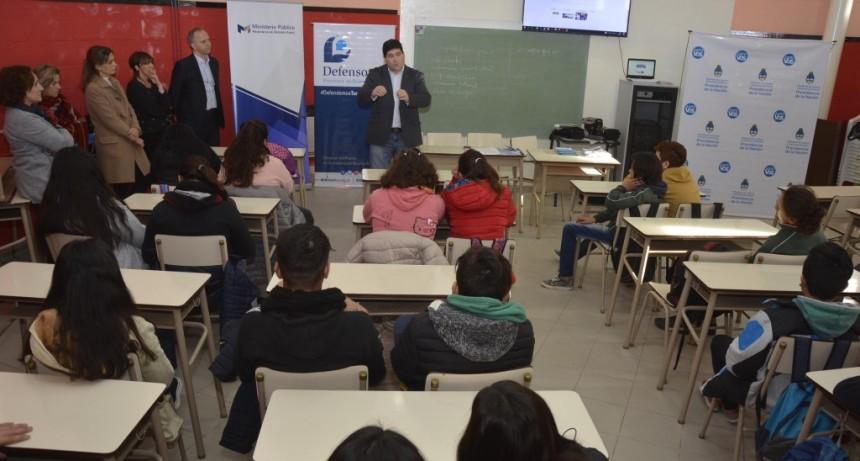 """Se lanzó el programa """"Justo vos"""" en la Escuela Secundaria N°3"""