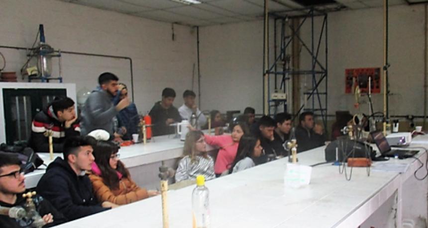 La Subsecretaría de Medio Ambiente del Municipio visitó la Escuela Técnica Nº 1