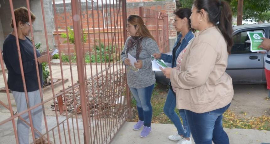 Continúa la concientización de vecinos sobre la correcta disposición de los residuos
