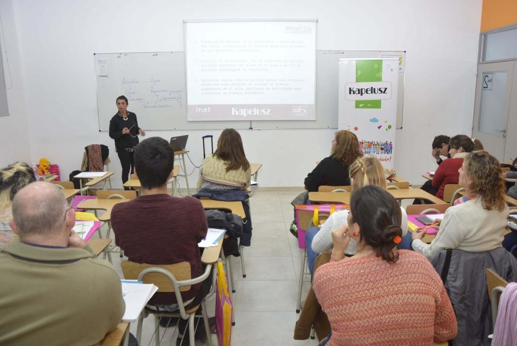 Profesores y directivos participaron de un taller de matemática