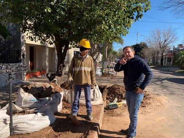 Continúa el recambio de cañerías de la red de agua en la calle Coletta