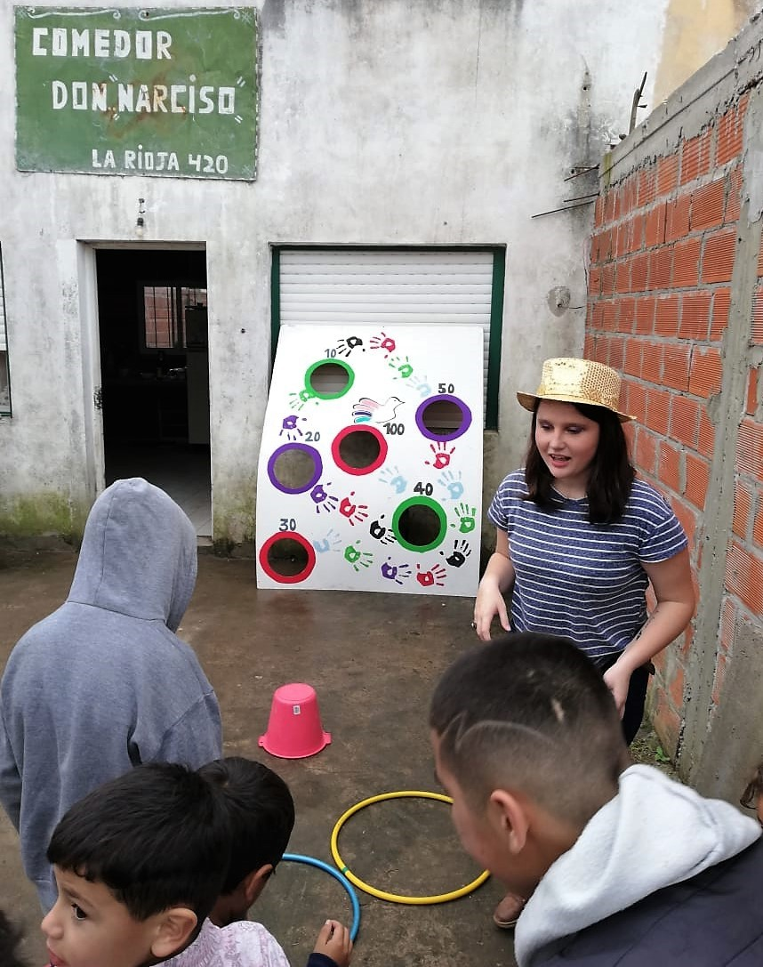"""Participantes de """"Soy joven, soy voluntario"""" realizan jornadas por el derecho a jugar"""
