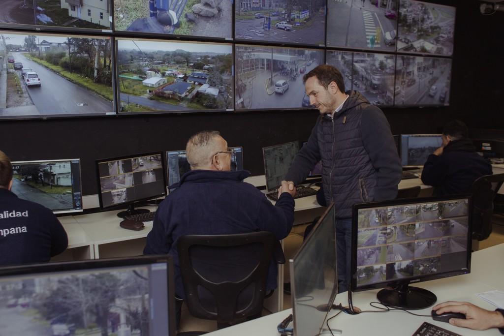 Abella inauguró el nuevo CIMoPU con 520 cámaras