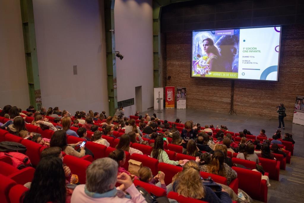 Más de mil personas disfrutaron el Festival de Cine de Tenaris y Fundación PROA